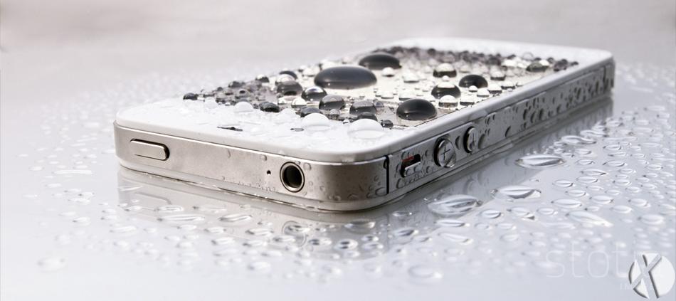 Water-Resistant-iPhone-Coating-1